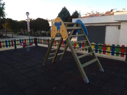Instalación y Reparación De Parque Infantil Torredonjimeno (Jaén)