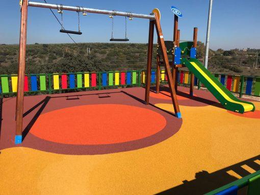 Motaje Parque Infantil, Valla y Suelo Continuo Guarromán (Jaén)