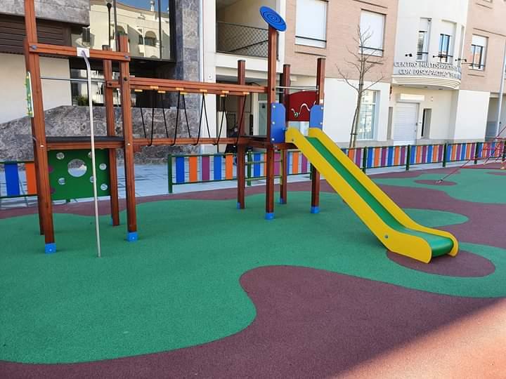 Instalación Suelo de Caucho y Parque Infantil Úbeda (Jaén)